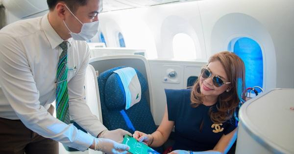Feedback có tâm như ca sĩ Thanh Thảo, diễn viên Hiền Mai khi ''đi bay''