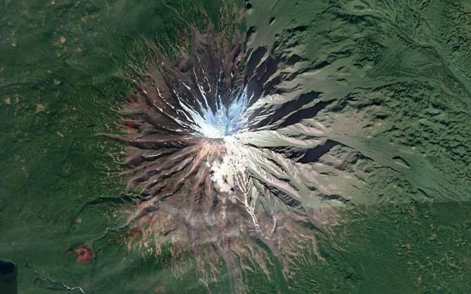 Không cần đi du lịch, Google Earth sẽ giúp bạn khám phá vẻ đẹp muôn màu của trái đất nhìn từ vệ tinh
