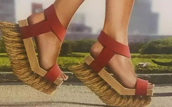 Loạt giày cao gót với thiết kế cực khó đỡ, không trượt ngã sấp mặt cũng khiến người đối diện rùng mình