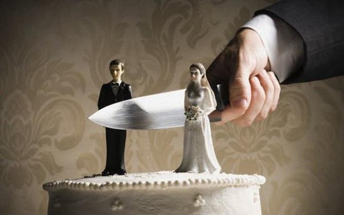Góc sống gấp: Vừa kết hôn 15 phút, người đàn ông đòi ly hôn luôn vì không hài lòng với bố vợ