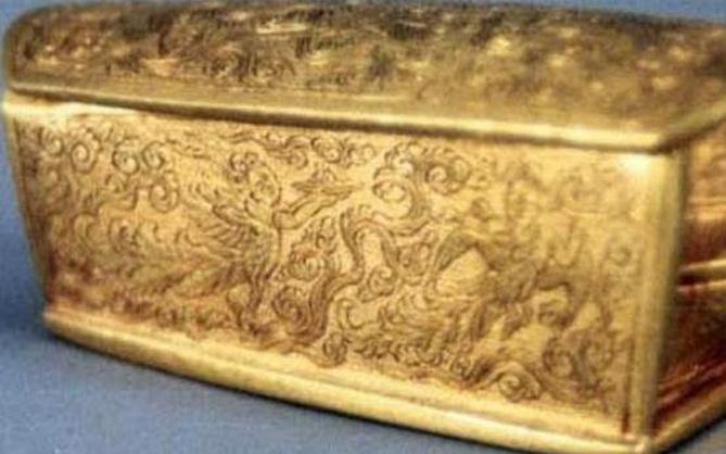 Mở 3 lớp áo quan mới phát hiện một quan tài bằng vàng ròng, nhưng 13 năm qua không ai dám mở, lý do là gì?