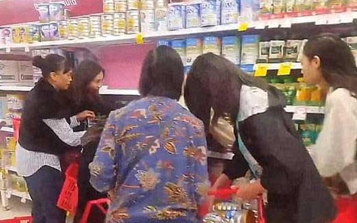 Kết quả hình ảnh cho bán sữa bột trẻ em ở úc