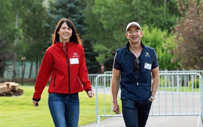 Ông chủ Amazon Jeff Bezos cưới vợ chỉ sau 6 tháng quen biết nhưng hạnh phúc không ai ... -