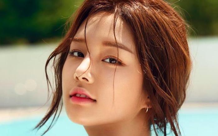 Debut 5 năm vẫn flop, idol từng dính tin đồn hẹn hò với Jin (BTS) tính đến chuyện đi ...