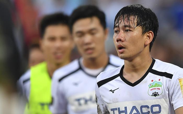"""Xót xa dòng tâm trạng của Minh Vương sau trận đấu với TP. HCM: """"Dành cả thanh ..."""