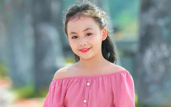 """Diễn viên nhí xinh xắn trong """"Hoa hồng trên ngực trái"""": Mới 10 tuổi đã ..."""