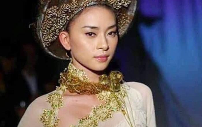 Vừa lên án nữ ca sĩ Kacey mặc áo dài Việt phản cảm, Ngô Thanh Vân lại ...