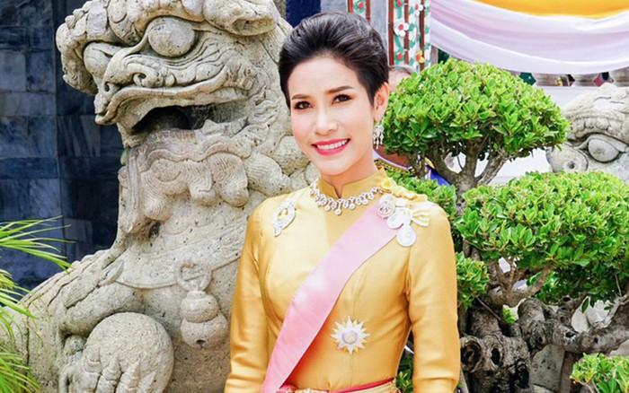 """""""Bất trung với vua, chống lại Hoàng hậu"""", Hoàng quý phi Thái Lan bị phế ..."""
