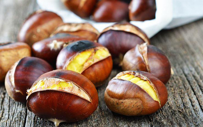 """Loại hạt là """"vua quả khô"""" hạt dẻ, ngon tuyệt vời trong những ngày se lạnh nhưng khi ăn cần ..."""