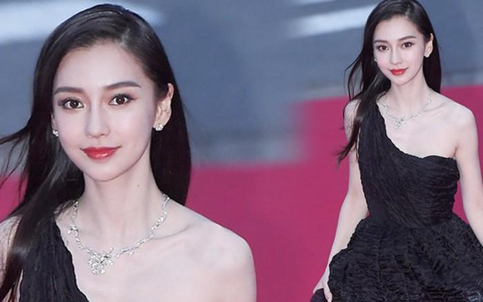"""Angela Baby trắng bật tông tại thảm đỏ LHP Busan, khiến truyền thông Hàn nức nở: """"Nữ ..."""