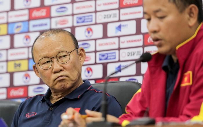 """HLV Park Hang-seo: """"Trợ lý tuyển Thái cười mỉa tôi, nếu muốn chiến đấu thì ..."""