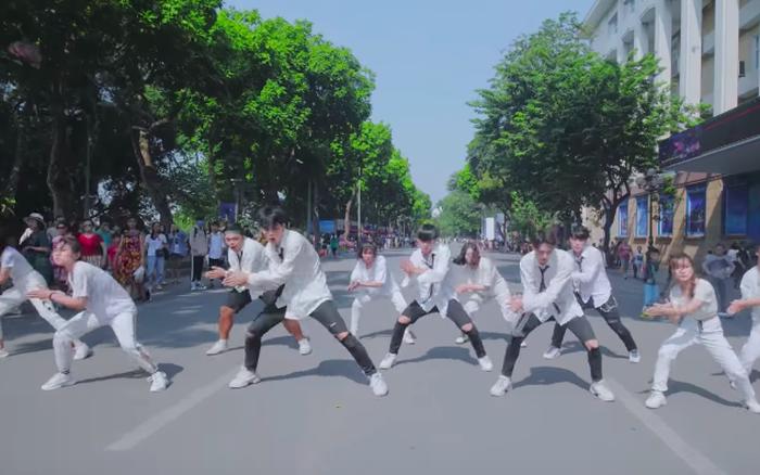Fan Kpop Việt chơi lớn cover dance loạt hit đón idol về dự AAA 2019