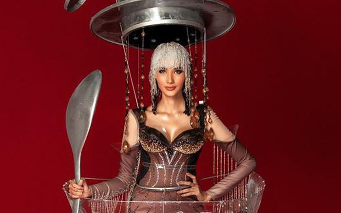 """Hoàng Thùy sửa trang phục """"Cà phê phin"""" đem đi thi Miss Universe, netizen ..."""