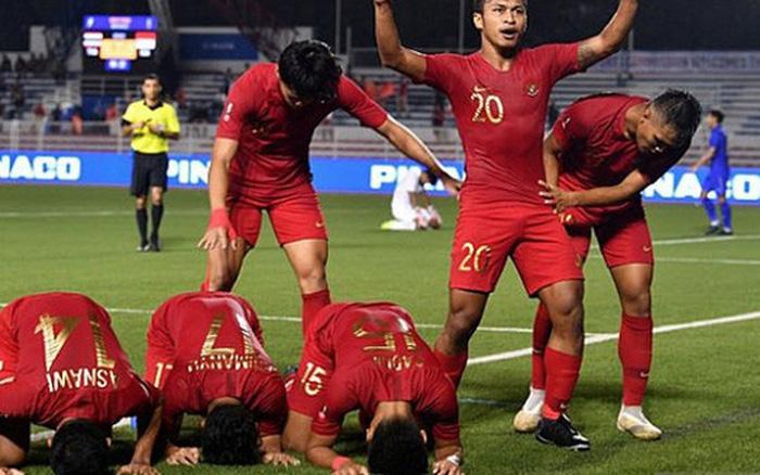 Cầu thủ U22 Indonesia troll cực mạnh: Phát bóng bắt đầu trận đấu trong khi đồng đội vẫn đang ... - kết quả xổ số đồng tháp