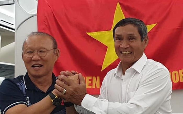 HLV Park Hang-seo và Mai Đức Chung nắm chặt tay nhau trên chuyến bay lịch sử mang 2 huy chương ... - kết quả xổ số tiền giang