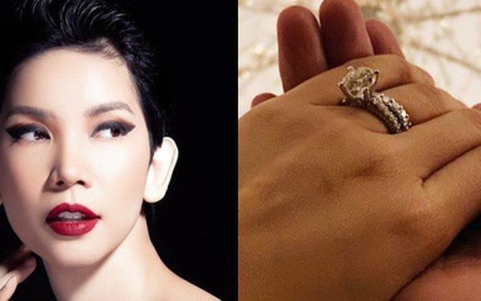 Bất ngờ đeo nhẫn kim cương khủng ở vị trí đặc biệt, nắm tay người giấu mặt, Xuân Lan sắp ...