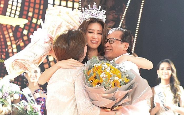 Khoảnh khắc xúc động khi đăng quang Tân Hoa hậu Hoàn vũ 2019: Khánh Vân bé ... - kết quả xổ số trà vinh