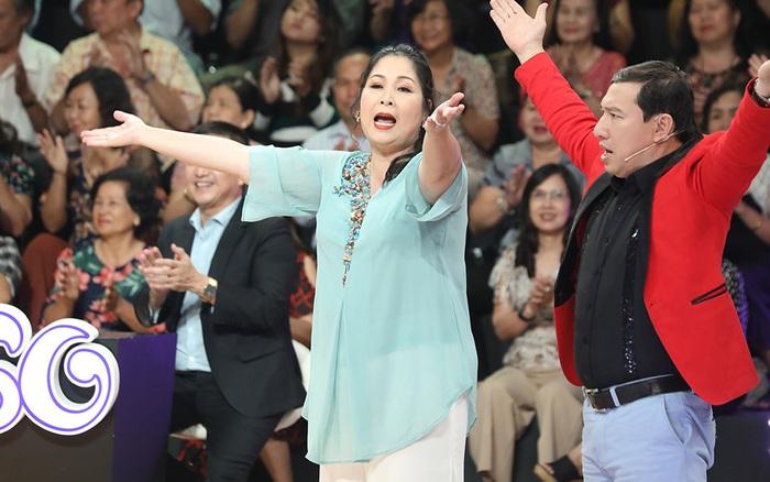 """Vừa mới """"chị em nặng nghĩa tình"""", Hồng Vân đã lại đòi đánh Quang Thắng ..."""