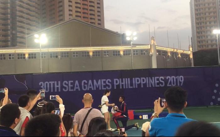Cầu hôn bạn gái thành công, tay vợt Philippines trở thành VĐV hạnh phúc ... - xổ số ngày 17102019