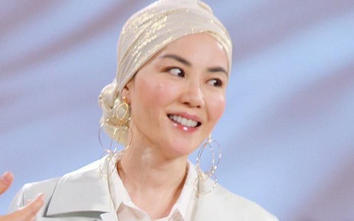 Nhan sắc Vương Phi tuổi U50 vẫn hack tuổi không 1 nếp nhăn thế này, bảo sao Tạ Đình Phong ...