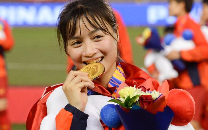 Hoàng Thị Loan: Cầu thủ xinh đẹp của tuyển nữ Việt Nam vẫn đang FA