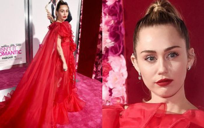 Chồng nhập viện, Miley Cyrus một mình vẫn sáng nhất thảm đỏ với bộ đầm hoành tráng ...