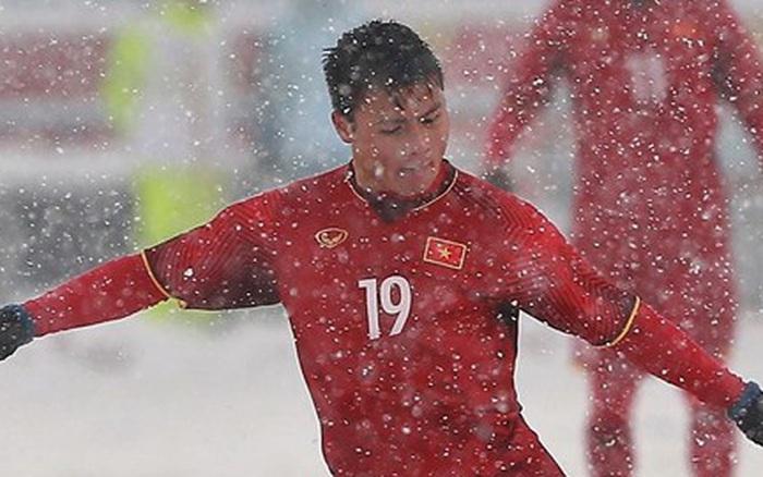 """Siêu phẩm """"cầu vồng trong tuyết"""" của Quang Hải bị bỏ xa ở cuộc bầu chọn """"bàn ..."""