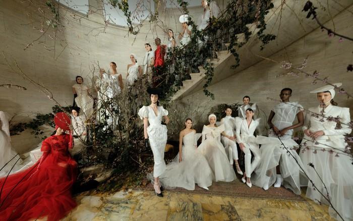 Sau New York, Phuong My lần đầu tiên mang bộ sưu tập cưới triển lãm tại Việt Nam