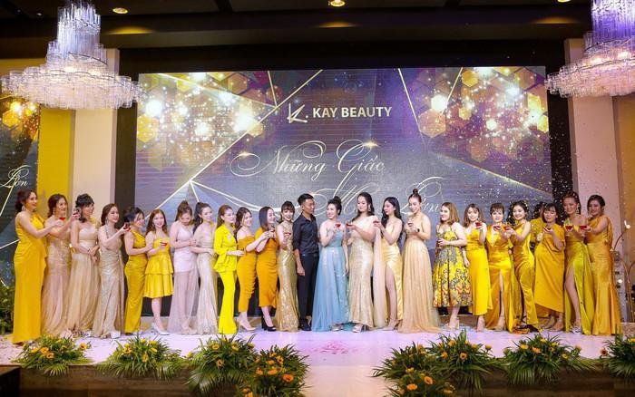 Mỹ phẩm Kay Beauty tổ chức đêm gala hoành tráng kỷ niệm một năm thành lập với chủ đề ...