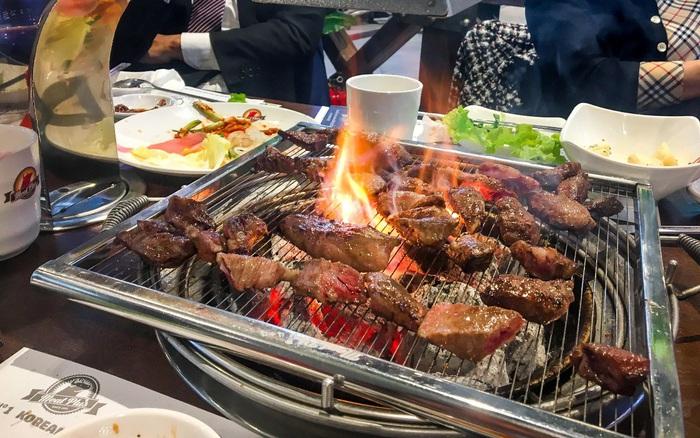 """Fan đồ nướng """"rần rần"""" rủ nhau thưởng thức thịt nướng chuẩn Hàn ngày đầu đông"""