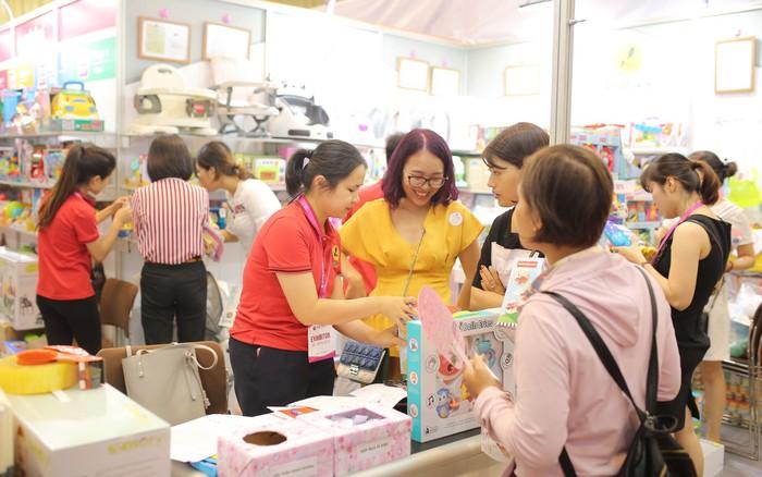 Gian hàng 4Babies cực hot trong ngày khai mạc Triển lãm Quốc tế Vietbaby Fair Hà Nội