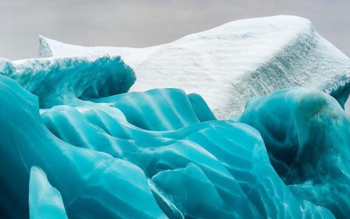 Cực độc tảng băng ngọc lục bảo tuyệt mỹ ở Nam Cực: Phải may mắn lắm mới có thể bắt gặp khoảnh khắc ...