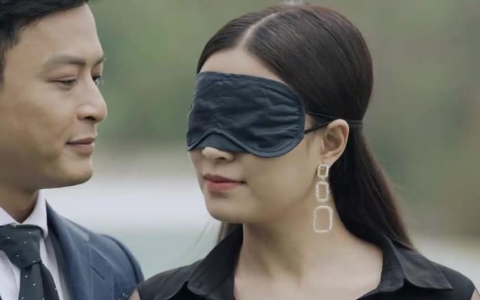 """Hoàng Thuỳ Linh quê độ vì tưởng được cầu hôn trong """"Mê Cung"""", ai ngờ ..."""