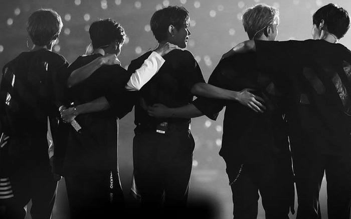 """Nhóm nam nào sau Wanna One vừa vượt qua BTS và EXO để lập thành tích """"xưa ..."""