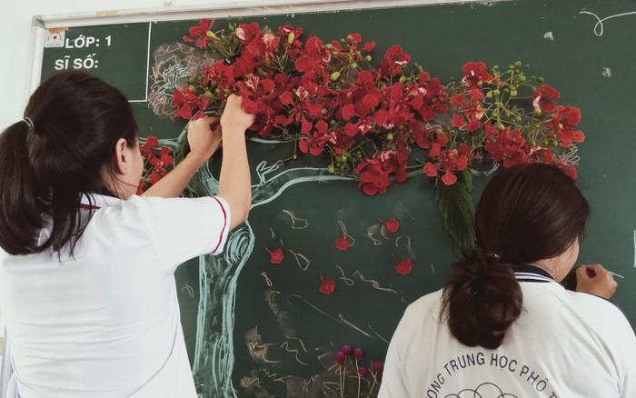 Xuất hiện chiếc bảng được học sinh biến thành một bức tranh nổi đẹp và chất không ...