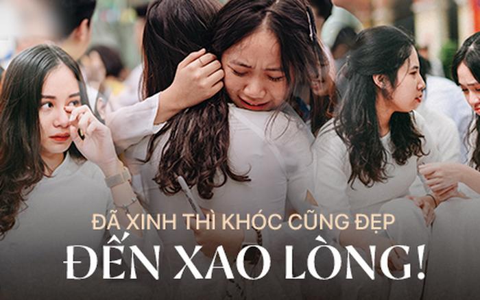 Những khoảnh khắc đẹp nhất mùa bế giảng tại Hà Nội: Dàn nữ sinh khóc lóc bù ...