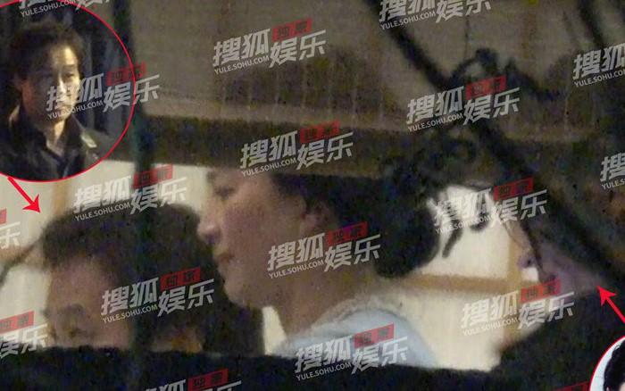 """Lưu Diệc Phi lộ ảnh gặp gỡ """"cha nuôi"""" nhưng nhân vật này mới giành spotlight"""