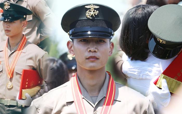 Hàng nghìn người đang phát sốt vì nam thần Kpop nhận bằng quân đội mà đẹp ...