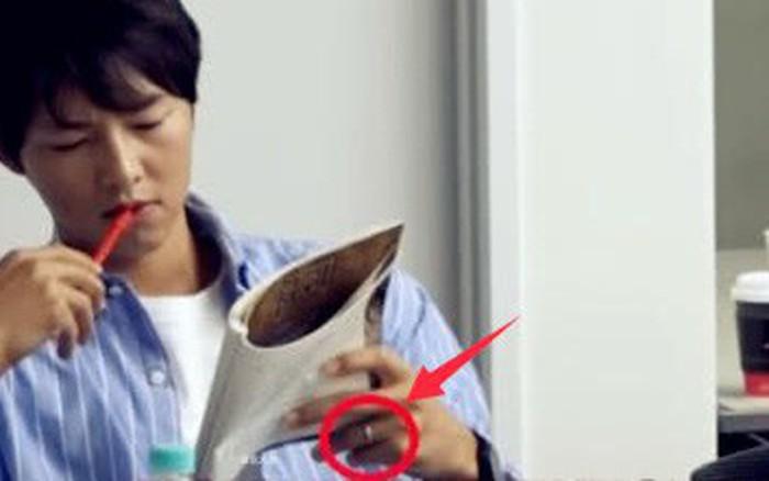Báo Trung mừng rỡ với hình ảnh Song Joong Ki đeo nhẫn cưới lấp lánh, nhưng thực hư là ...