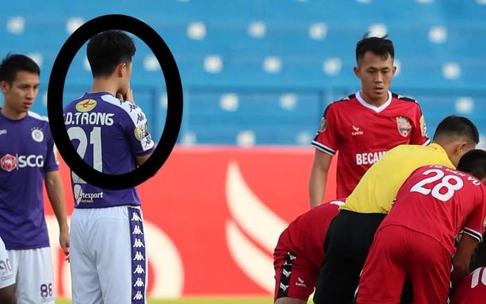 Đình Trọng chắp tay cầu nguyện, Thành Lương nhanh trí sơ cứu cho tuyển thủ U22 bị bất tỉnh ...