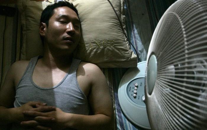 Không muốn gặp phải tình cảnh đột quỵ trong những ngày nắng nóng, hãy sửa ngay 6 ...
