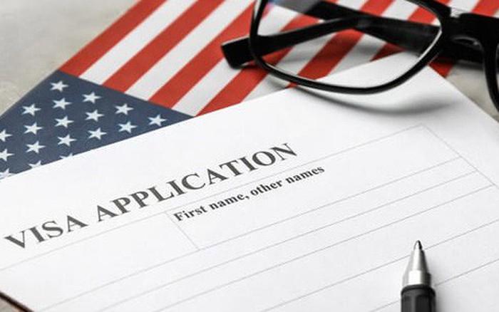 Từ tháng 6, xin visa vào Mỹ sẽ phải khai báo tài khoản Facebook, Twitter chính ...