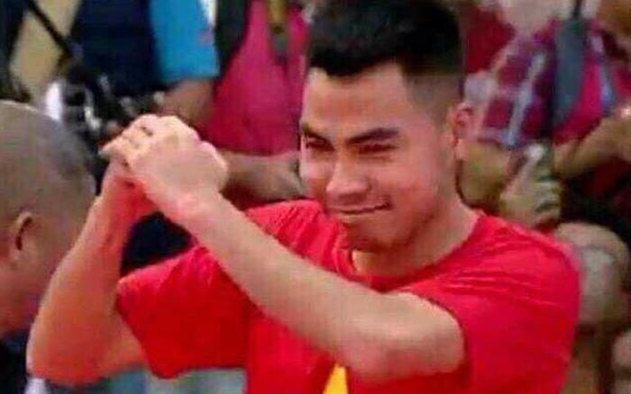 Được fan tặng tranh truyền thần cực đẹp, Đức Huy xúc động nhớ kỉ niệm trở về cùng U23 Việt Nam