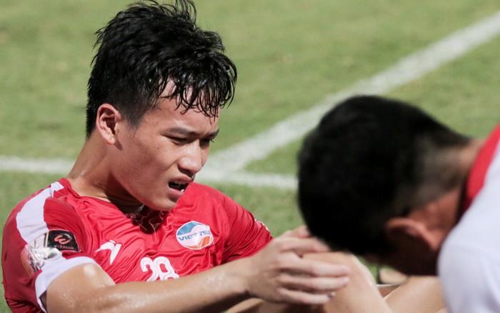 Tiền vệ trẻ Hoàng Đức sa sút vẫn được triệu tập lên tuyển Việt Nam, HLV CLB Viettel ...