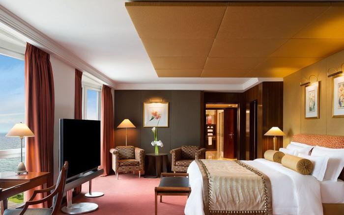Dám cá bạn sẽ không tưởng tượng nổi những gì có trong phòng khách sạn ...