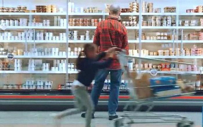 Ford giới thiệu xe đẩy hàng thông minh trong siêu thị: Có thể tự phanh, tránh ...
