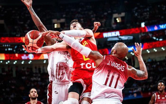 Thất thủ trước Venezuela, chủ nhà Trung Quốc tức tưởi xuống vòng đấu phân hạng FIBA World ...
