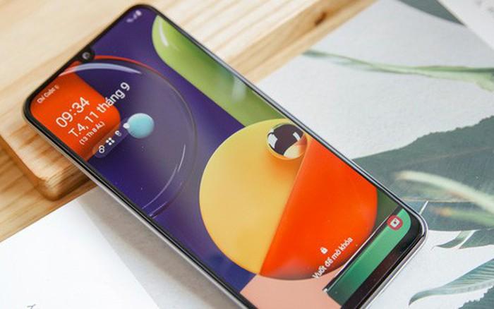 Sang chảnh hút mắt với Galaxy A50s: Thiết kế độc đáo, vân tay dưới màn hình, 3 ...