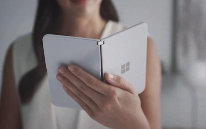 Microsoft bất ngờ ra mắt Surface Duo: Cuốn sổ tay 2 màn hình đầy tinh khôi và thanh ...