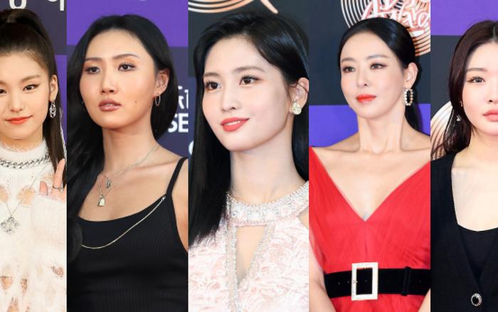 """Siêu thảm đỏ Grammy Hàn: Momo lấn át """"mỹ nhân đẹp nhất thế giới"""", ..."""